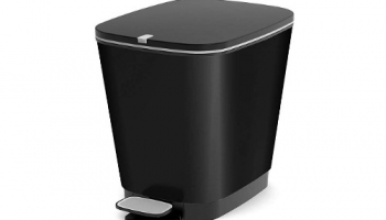Cubos de basura color negro